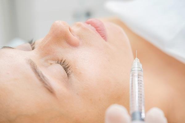 ボトックス注射によるガミースマイル治療