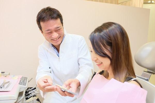 セラミック矯正による歯茎の黒ずみ治療